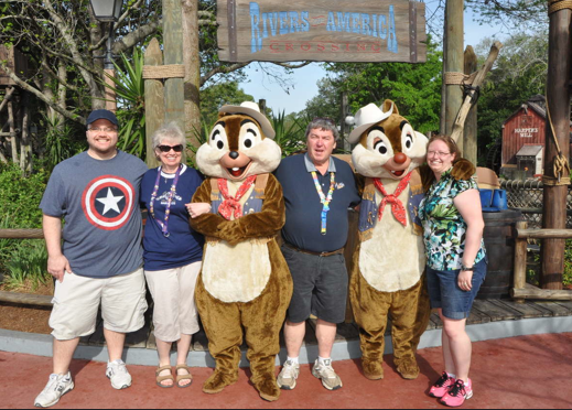The mouse family meets Chip & Dale
